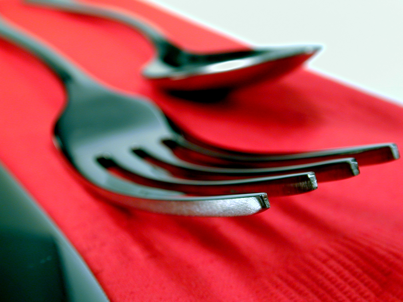 silverware_fork_red_napkin